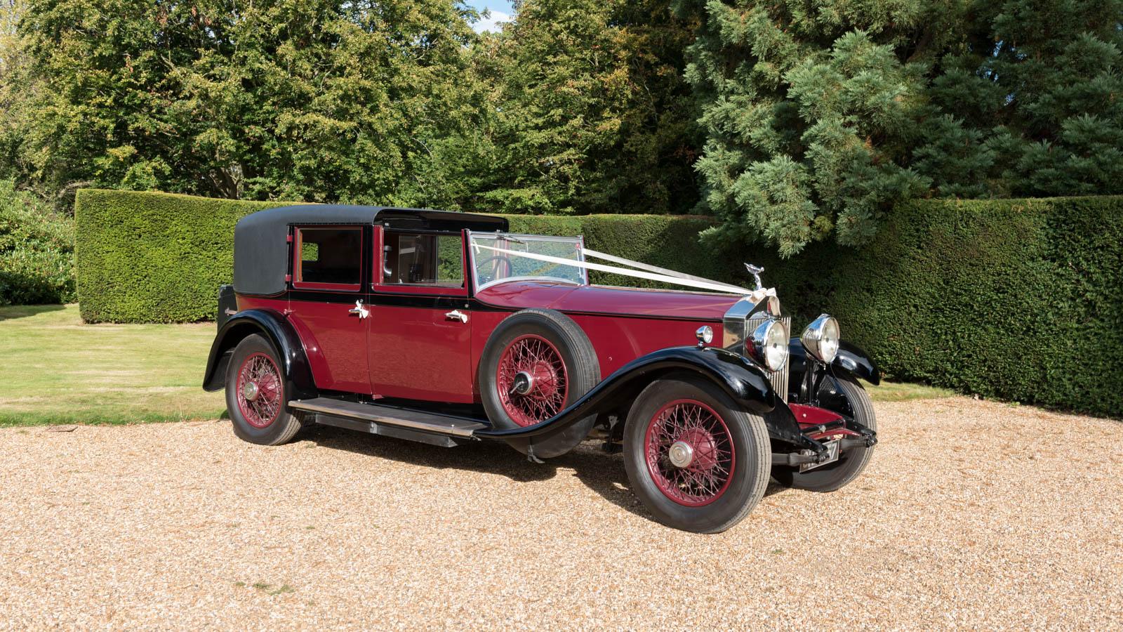 vintage wedding cars kent classic car hire distinctly. Black Bedroom Furniture Sets. Home Design Ideas